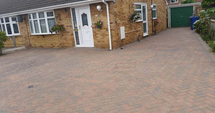 Driveway jet washing services for Hull and the surrounding areas